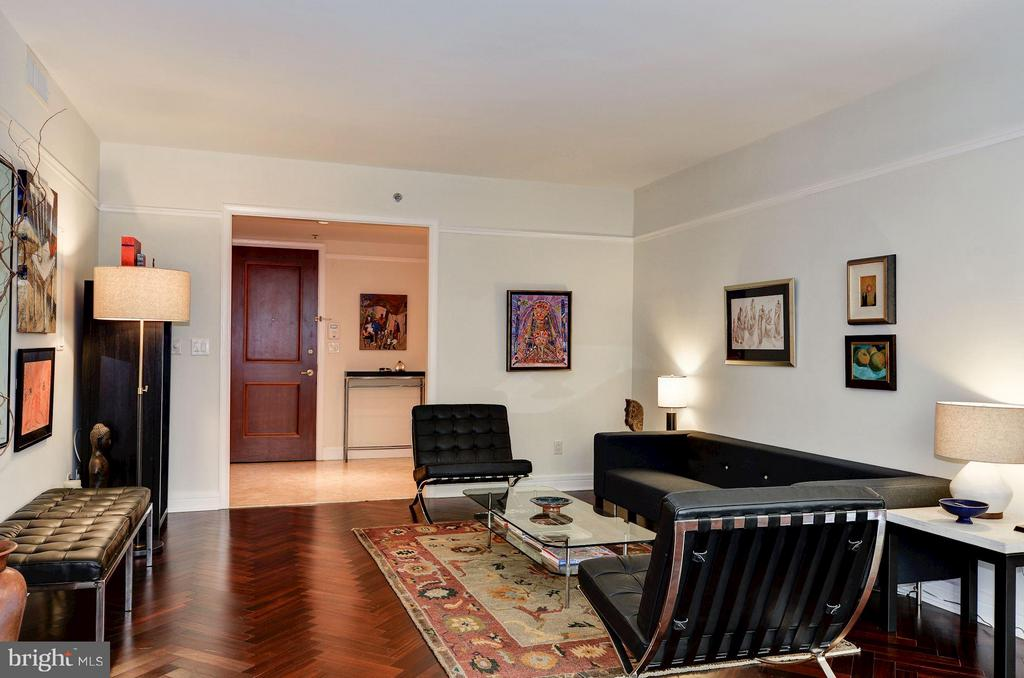 Spacious Living Room - 1155 23RD ST NW #2C, WASHINGTON