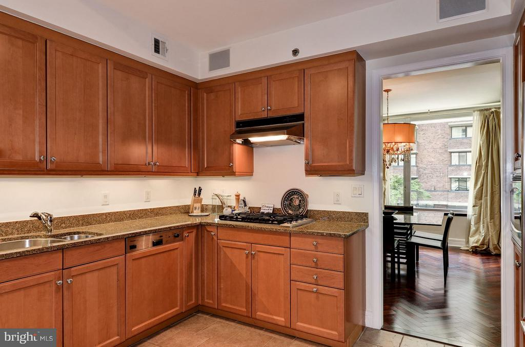 Kitchen w/ Granite Counters - 1155 23RD ST NW #2C, WASHINGTON