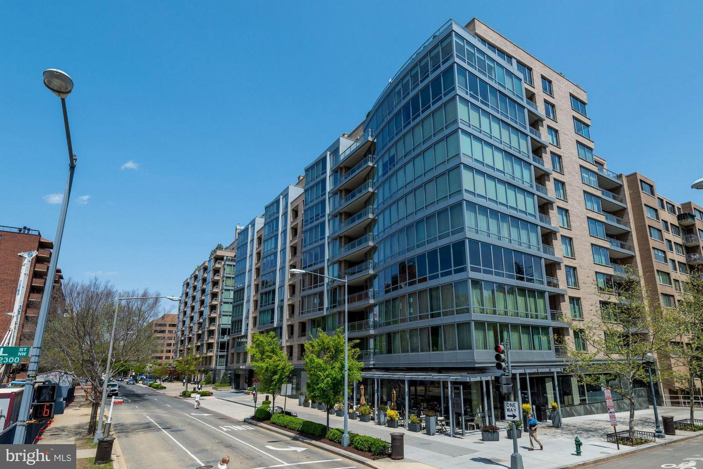 Single Family Home for Sale at 1111 23rd St NW #ph2b 1111 23rd St NW #ph2b Washington, District Of Columbia 20037 United States