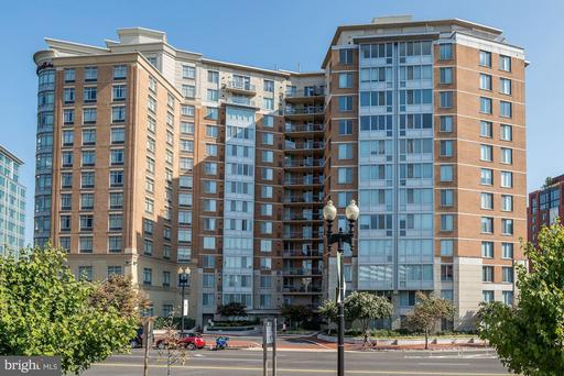 555 MASSACHUSETTS AVE NW #803
