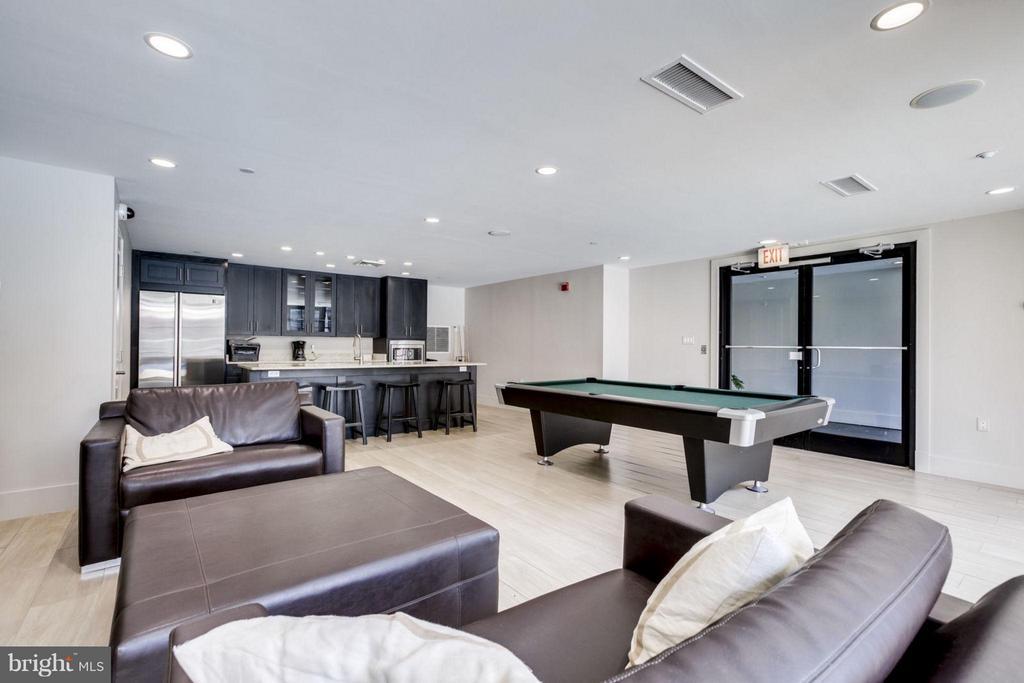 Party/billiard room - 1600 CLARENDON BLVD #W413, ARLINGTON