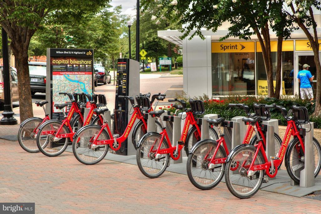 Bikeshare nearby - 1200 HARTFORD ST N #112, ARLINGTON