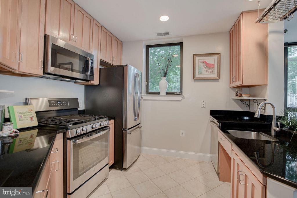 Kitchen - 1200 HARTFORD ST N #112, ARLINGTON