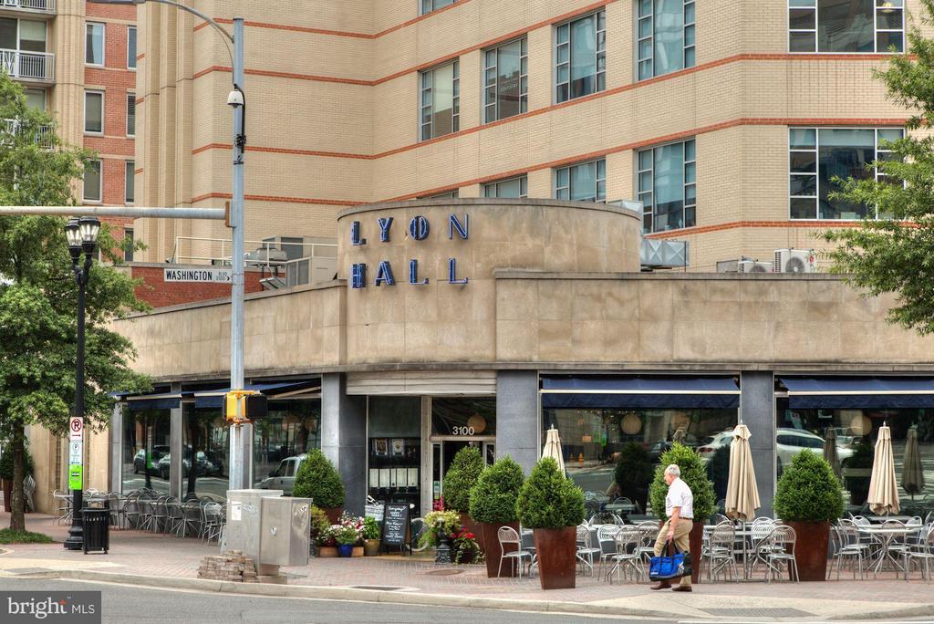 Lyon Hall, dining option within a few blocks - 1200 HARTFORD ST N #112, ARLINGTON