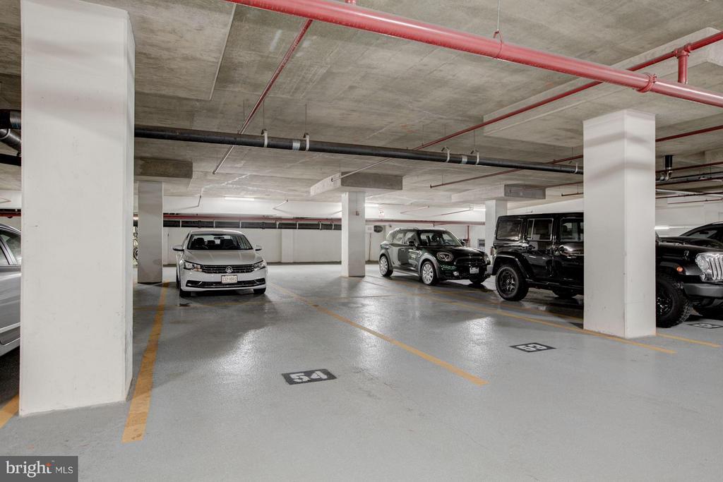 Oversized garage space (54) - good for large cars! - 1200 HARTFORD ST N #112, ARLINGTON