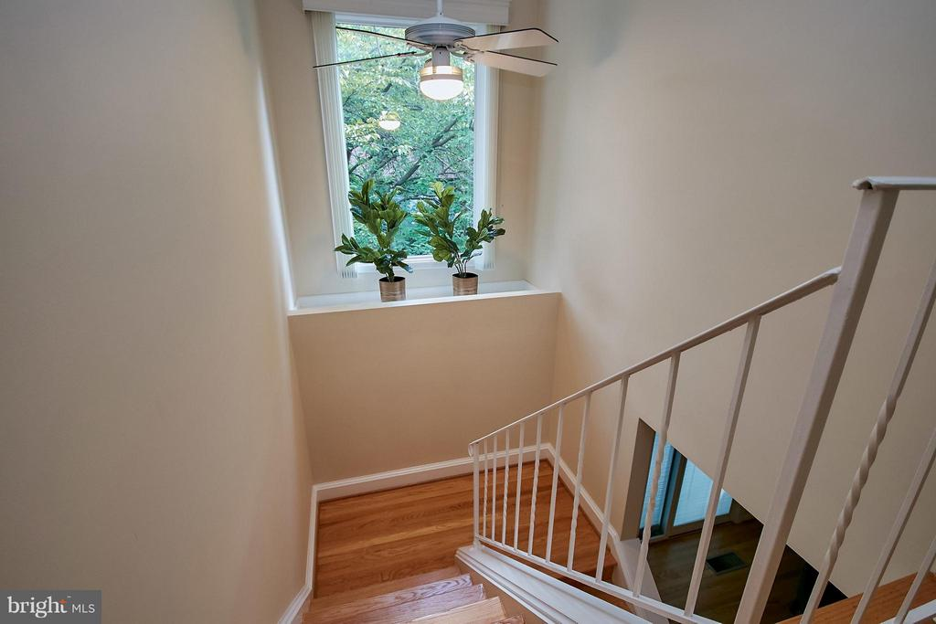 Stairs from Main Level - 9938 GREAT OAKS WAY, FAIRFAX