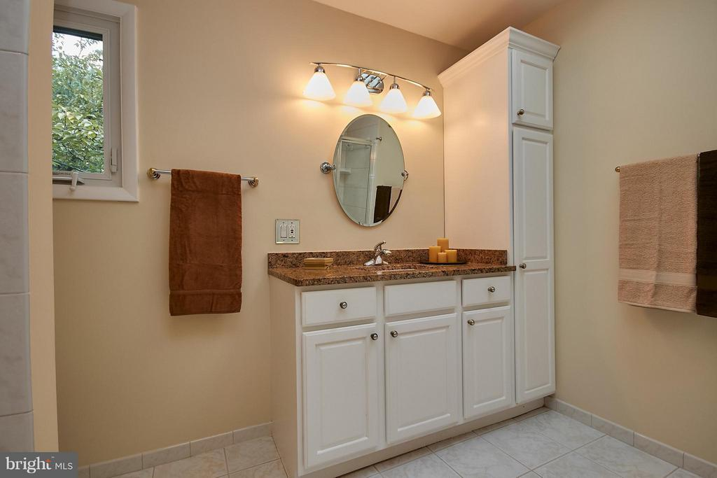 Second Vanity - 9938 GREAT OAKS WAY, FAIRFAX