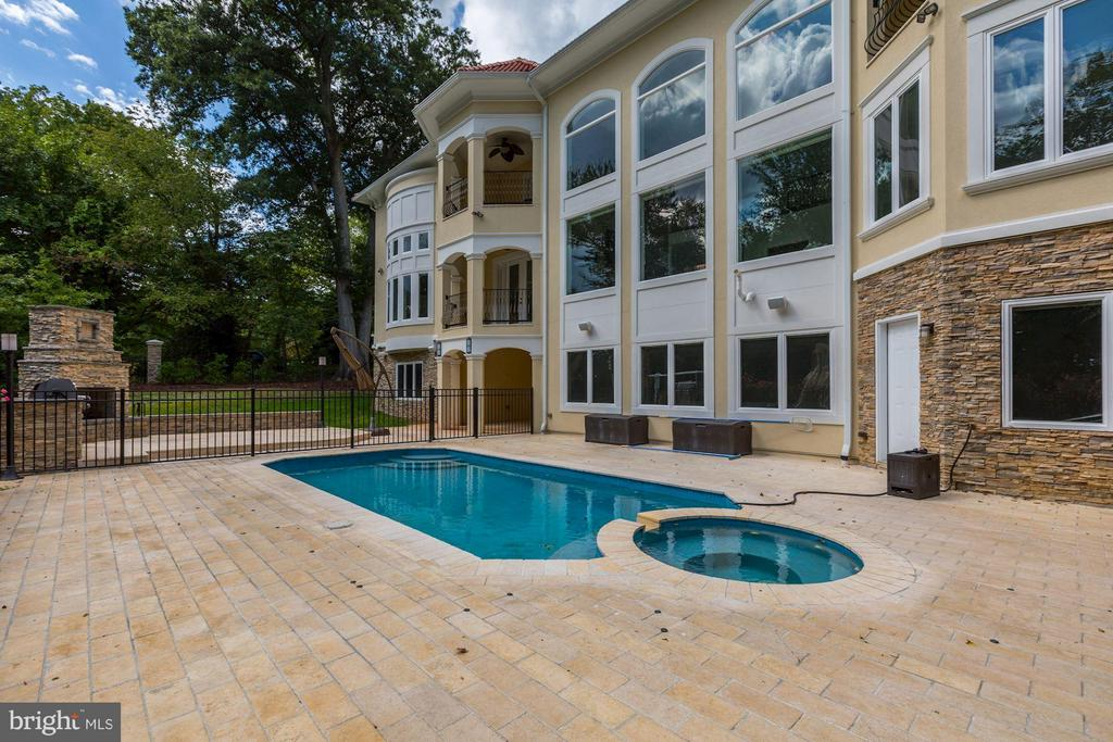 Pool & Spa - 1707 RIVER FARM DR, ALEXANDRIA