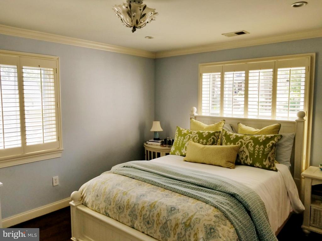 Custom Plantation Shutters! - 6012 GROVE DR, ALEXANDRIA