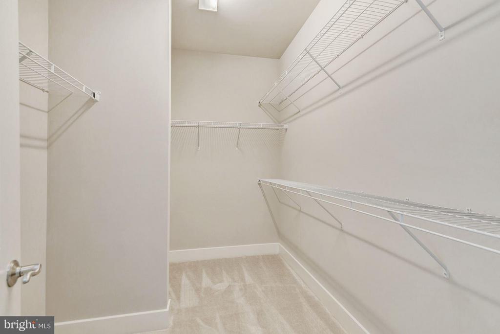Walk-in Closet - 7504 MCWHORTER PL, ANNANDALE