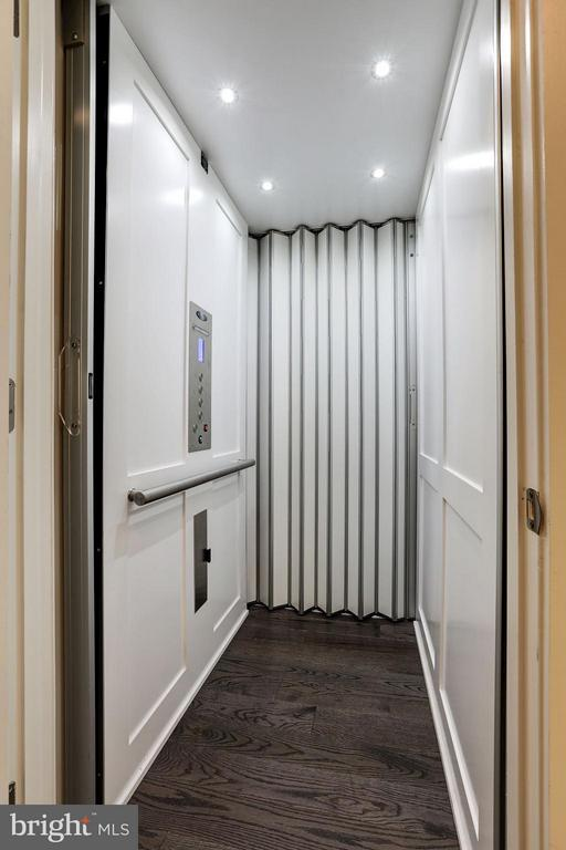 Elevator access to all levels - 171 WINSOME CIR, BETHESDA