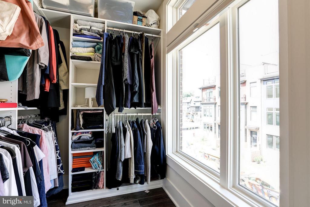 Walk-in closet off of master bedroom - 171 WINSOME CIR, BETHESDA