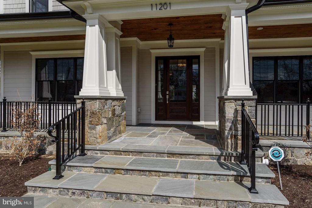 Grand Front Entrance - 11201 STEPHALEE LN, ROCKVILLE