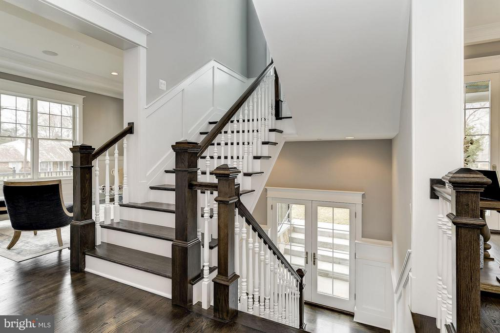 Beautiful Arts and Crafts Style Staircase - 11201 STEPHALEE LN, ROCKVILLE