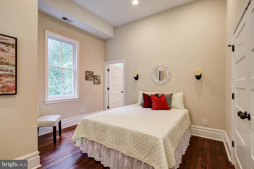 Bedroom #2 - 21 DEWITT CT, SILVER SPRING