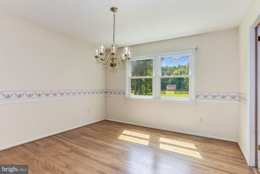Dining Room with great view of property. - 15781 PALMER LN, HAYMARKET