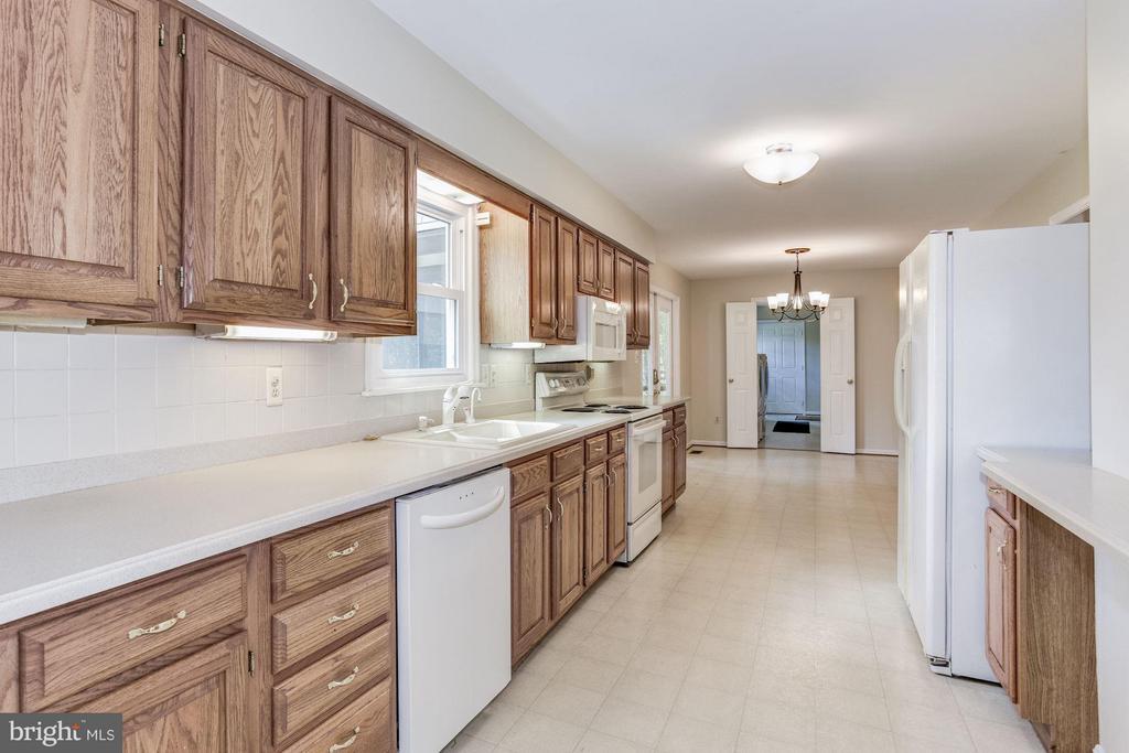 Kitchen - 15781 PALMER LN, HAYMARKET
