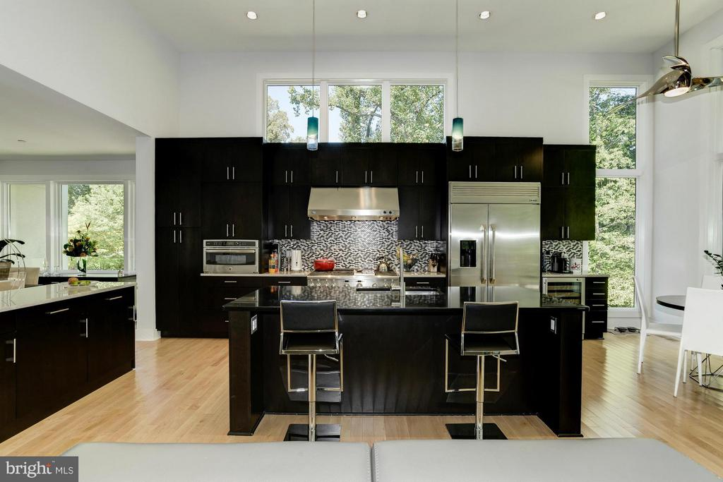 Kitchen - 5506 TRENT ST, CHEVY CHASE