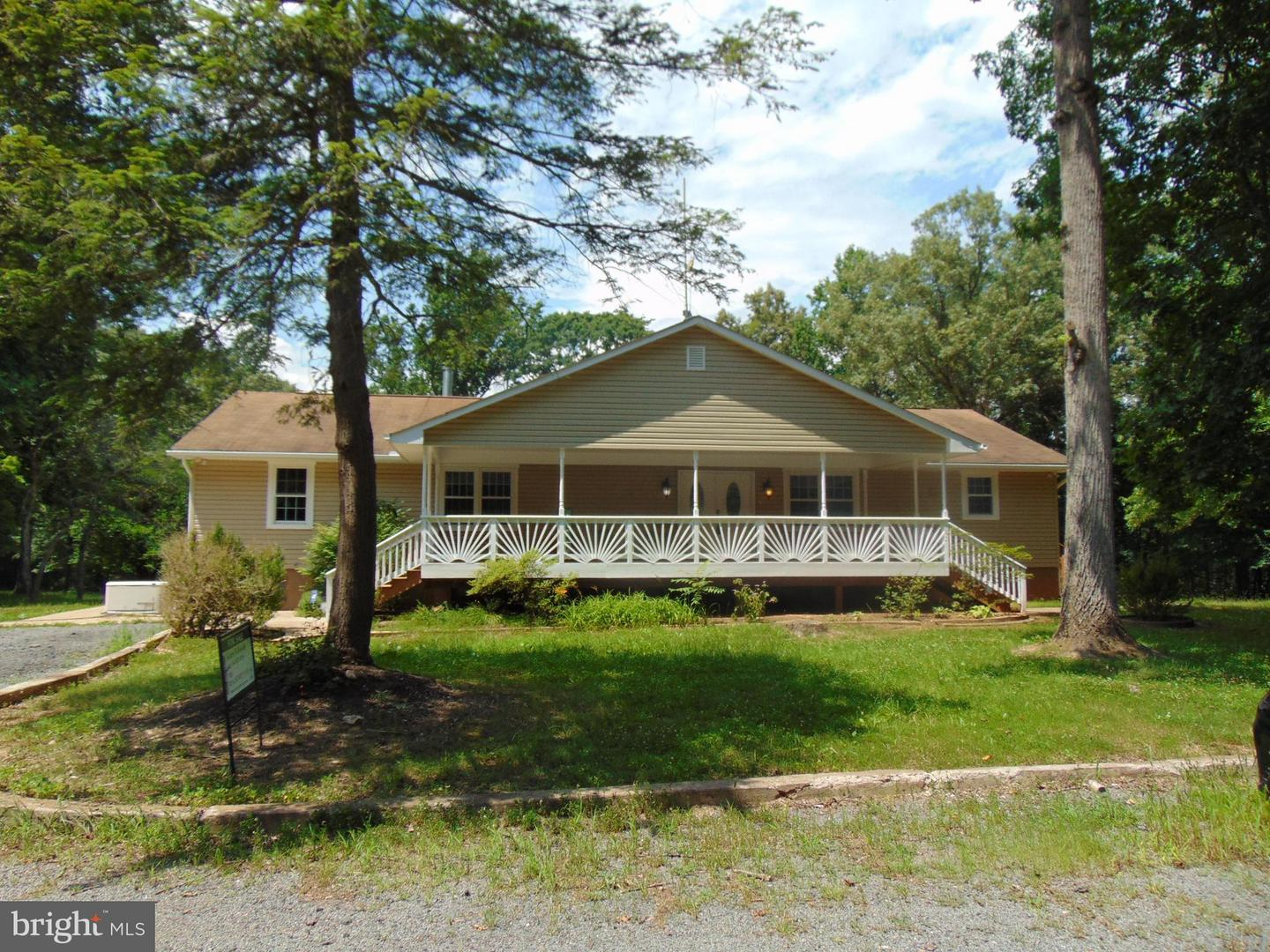 Single Family for Sale at 26257 Eleys Ford Rd Lignum, Virginia 22726 United States
