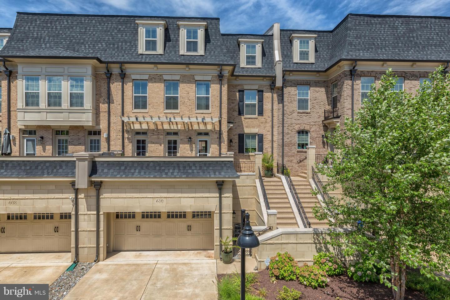 Single Family for Sale at 610 River Mist Dr Oxon Hill, Maryland 20745 United States