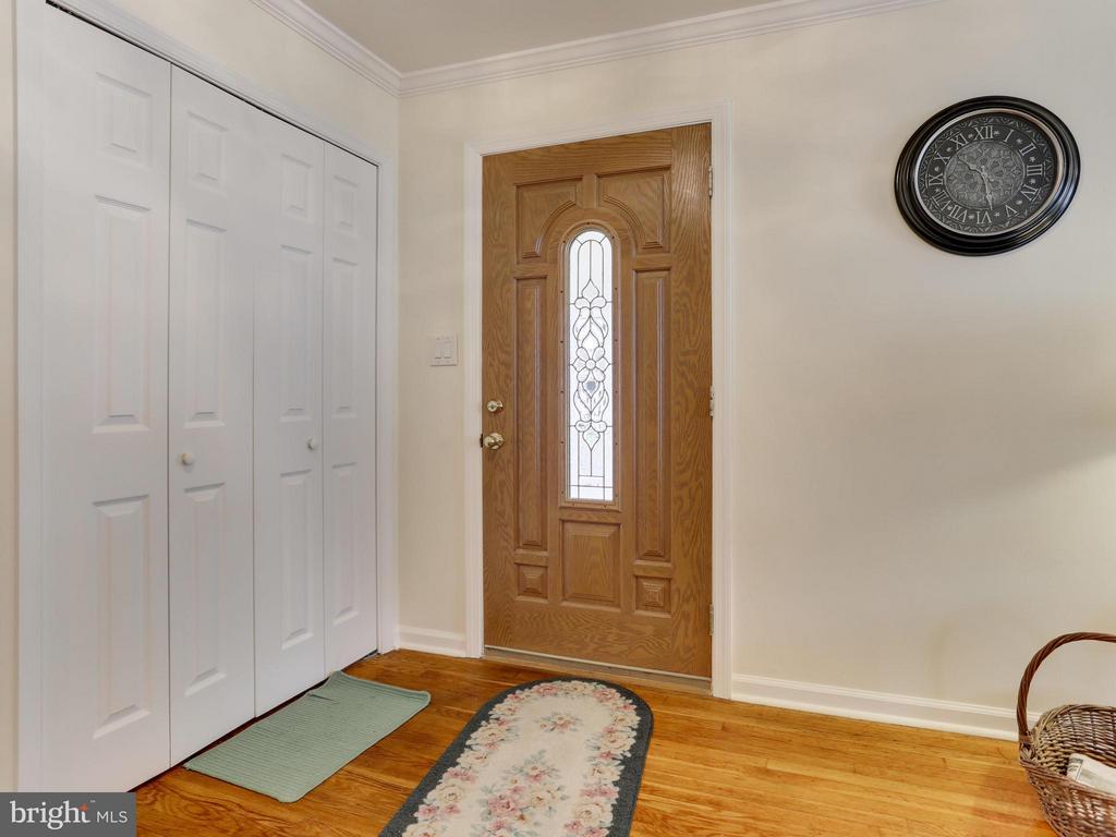 Front Door Entrancel) - 5300 KENESAW ST, COLLEGE PARK