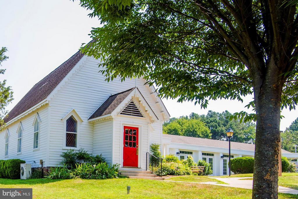 A charming historical church is a few blocks away - 5524 SUMMIT ST, CENTREVILLE
