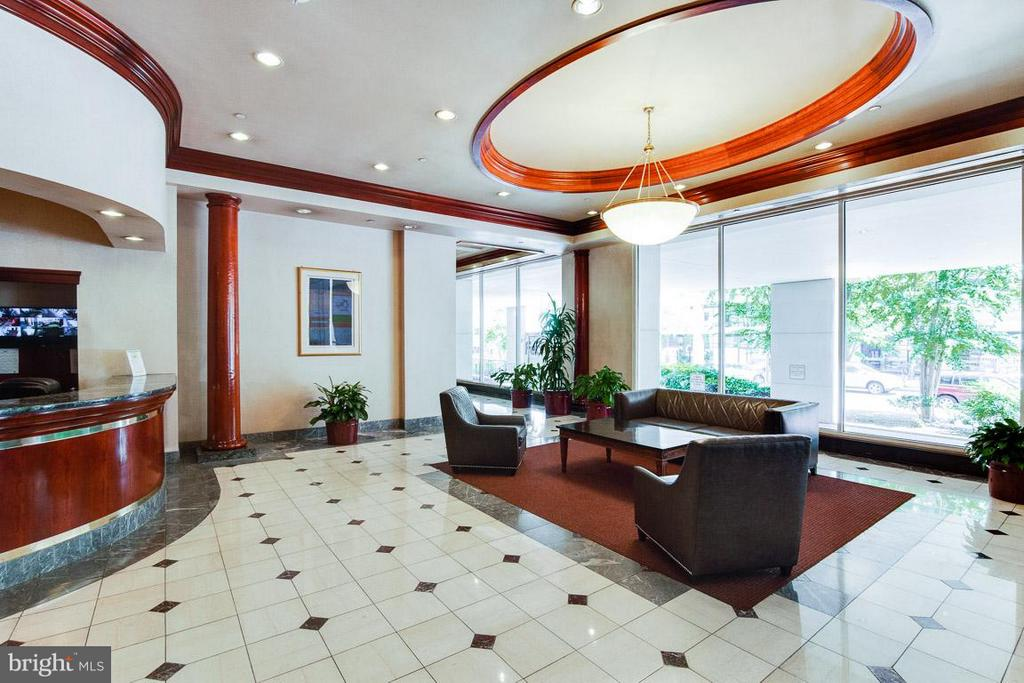 Enter through the gorgeous lobby with concierge - 1230 23RD ST NW #818, WASHINGTON