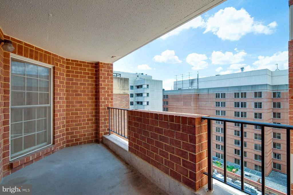 Oversized patio with great views of DC - 1230 23RD ST NW #818, WASHINGTON
