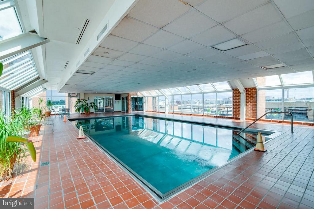 Dive on in! - 1230 23RD ST NW #818, WASHINGTON