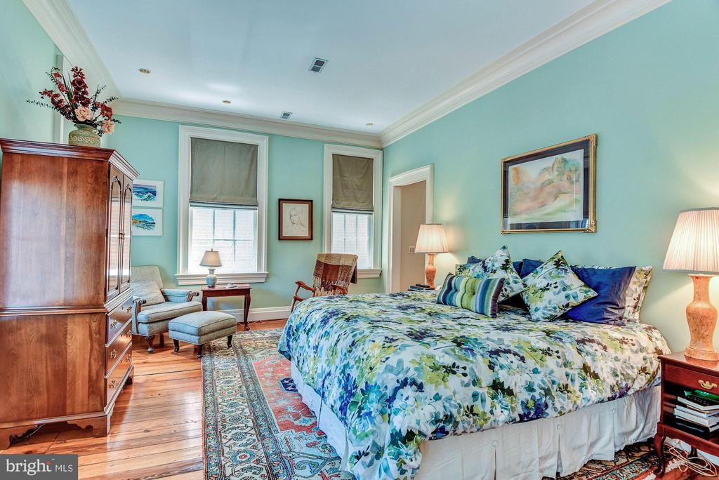 Bedroom (Master) - 214 ROYAL ST N, ALEXANDRIA