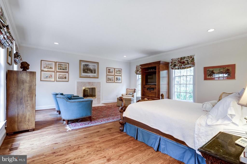 Bedroom (Master) - 7717 GEORGETOWN PIKE, MCLEAN