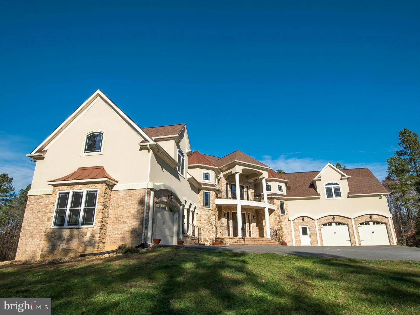 Single Family for Sale at 12163 Woodson Ln Woodford, Virginia 22580 United States