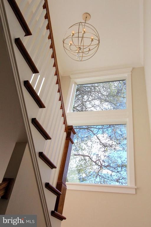 Stairwell , photo of similar model - 407 PLUM ST SW, VIENNA