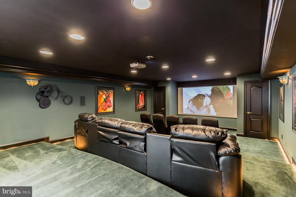 Home theater with seating for 9! - 170 BALL RD, SAINT LEONARD