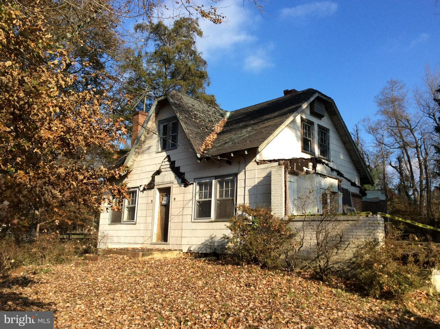 Single Family for Sale at 15807 Thompson Rd Silver Spring, Maryland 20905 United States