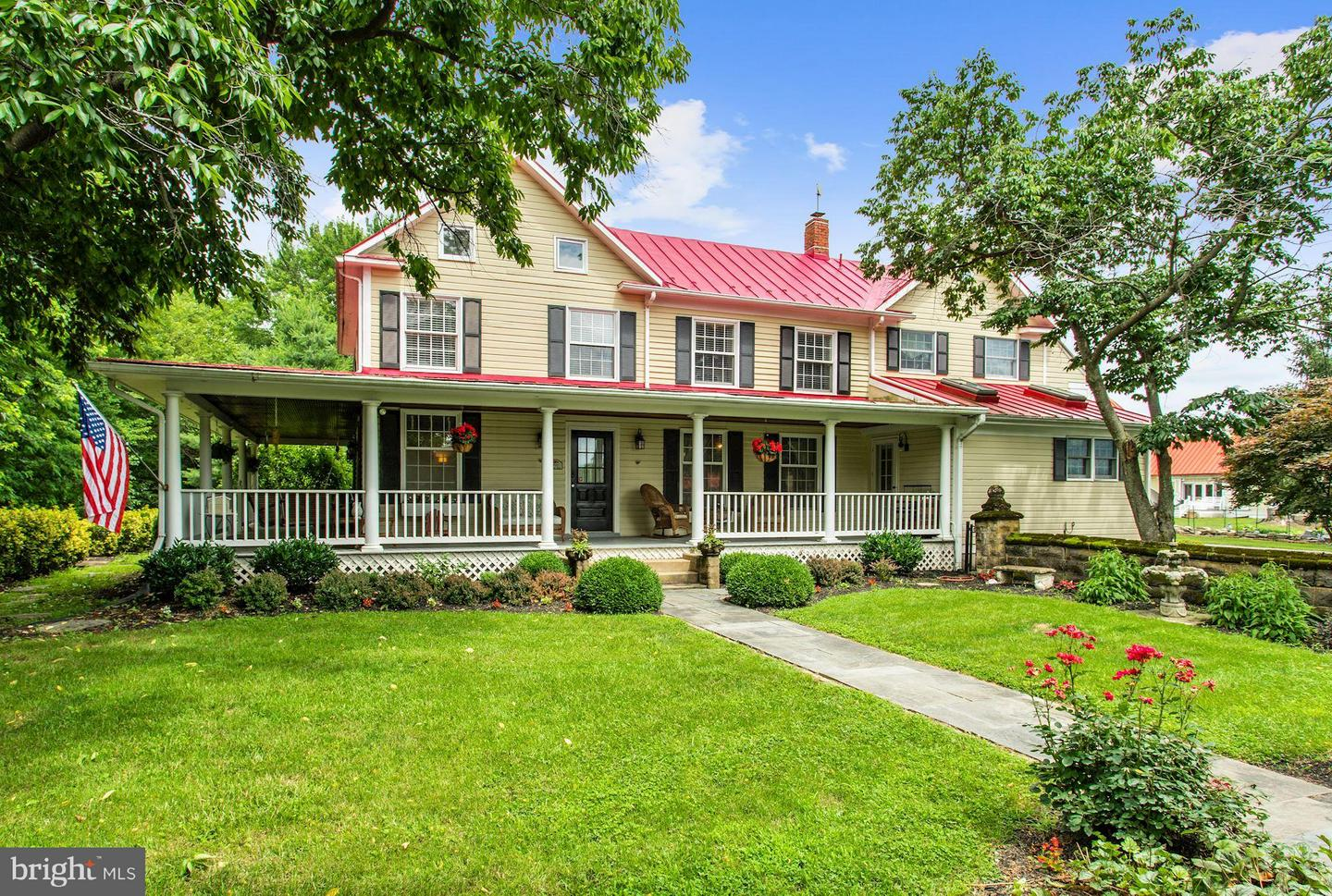 Single Family for Sale at 38527 Rickard Rd Lovettsville, Virginia 20180 United States