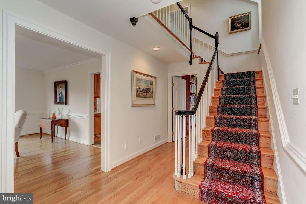 Stairway to Second Level - 21167 TRAPPE RD, UPPERVILLE