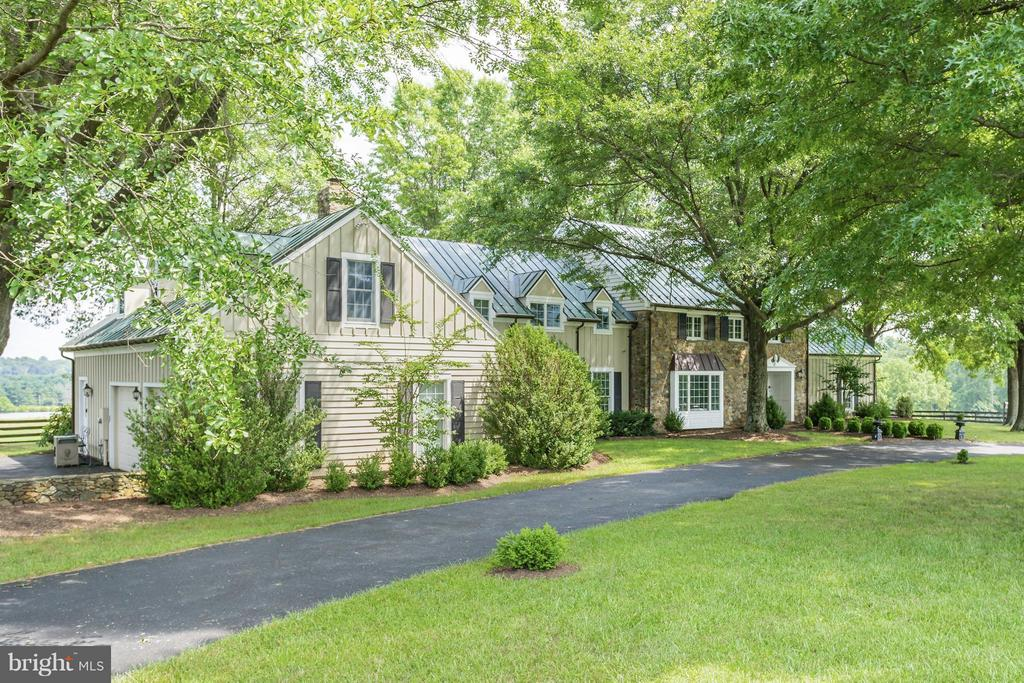 A truly beautiful home and setting - 21167 TRAPPE RD, UPPERVILLE