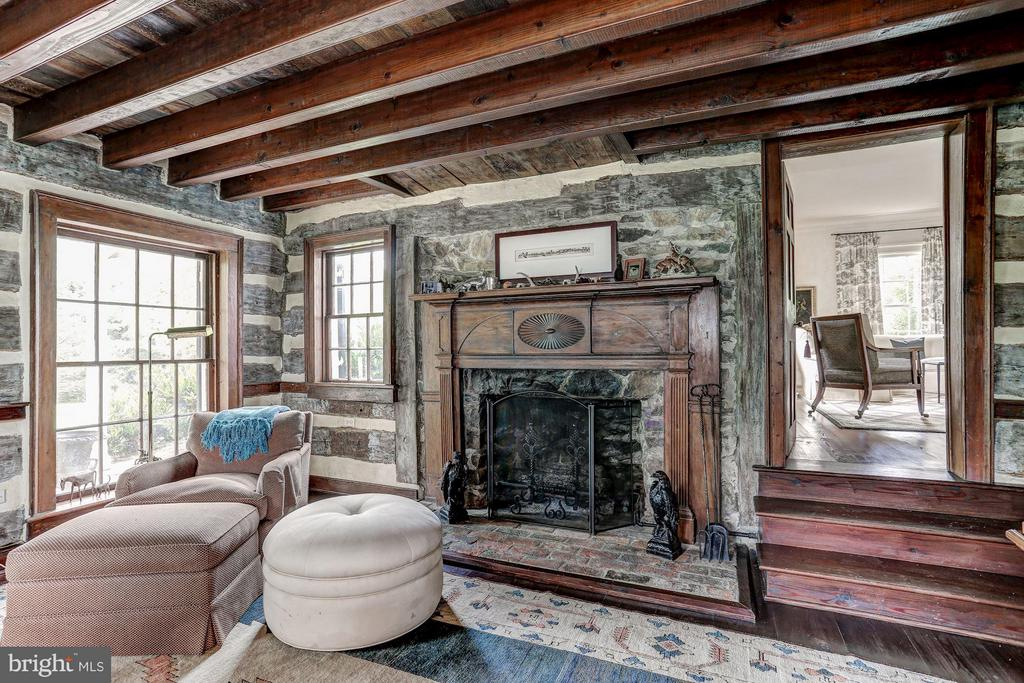 7 Fireplaces - 9092 JOHN MOSBY HWY, UPPERVILLE