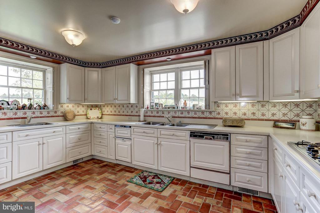 Kitchen - 9092 JOHN MOSBY HWY, UPPERVILLE