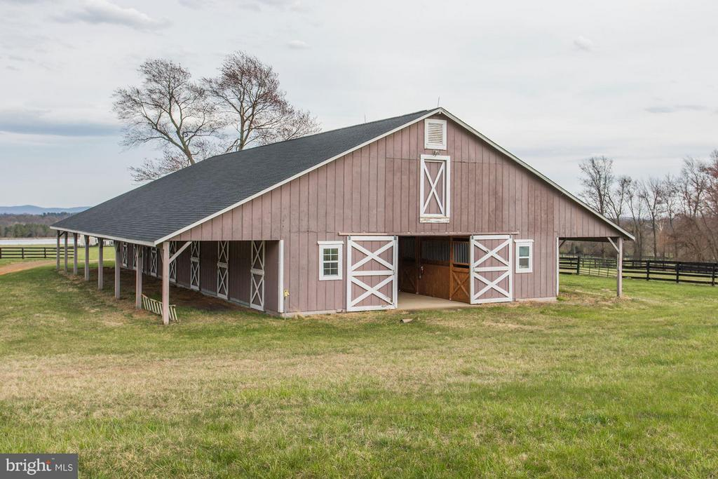 Barn - 21167 TRAPPE RD, UPPERVILLE