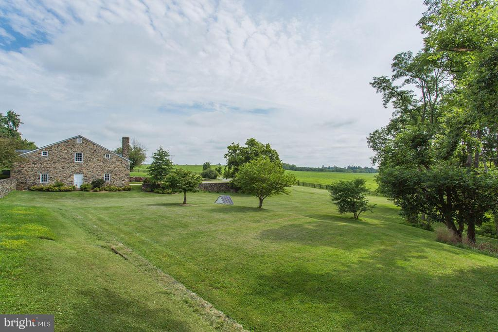Between House and Stone Barn - 9092 JOHN MOSBY HWY, UPPERVILLE