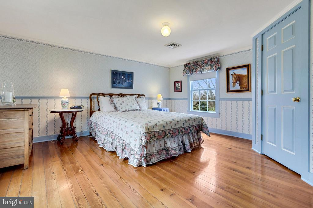 Bedroom - 140 TRIPLE OAK LN, BERRYVILLE