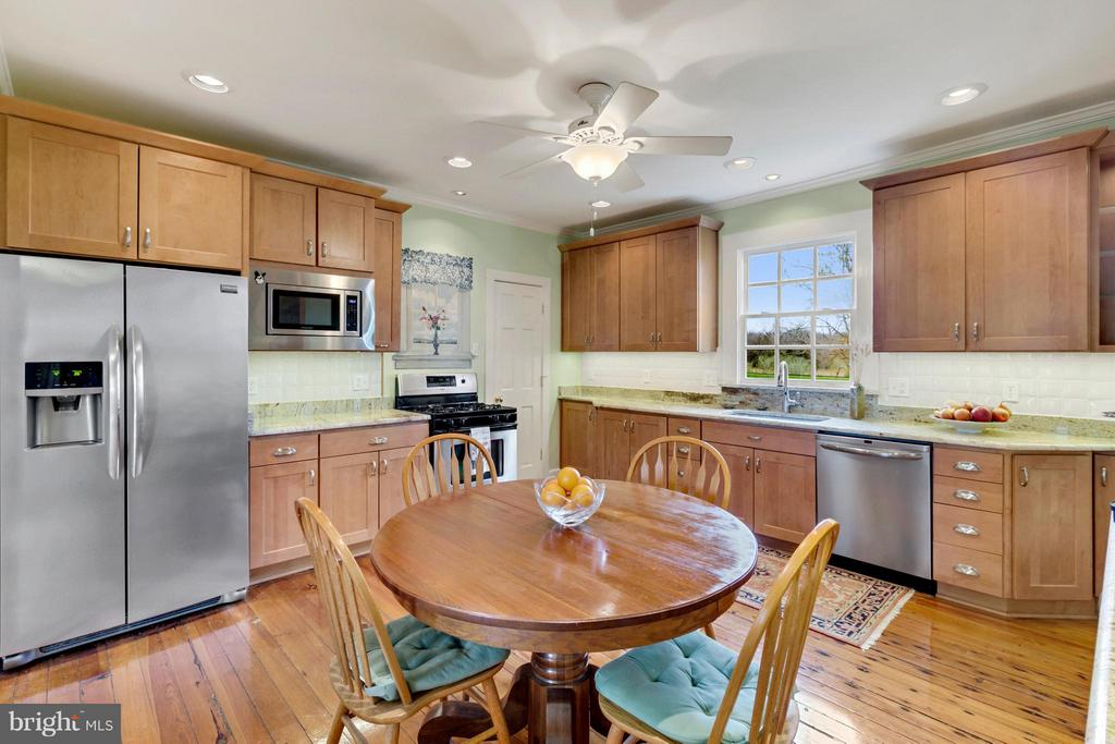 Kitchen - 140 TRIPLE OAK LN, BERRYVILLE