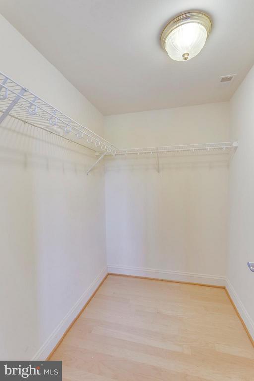 Huge Walk-in Closet - 525 FAYETTE ST #507, ALEXANDRIA