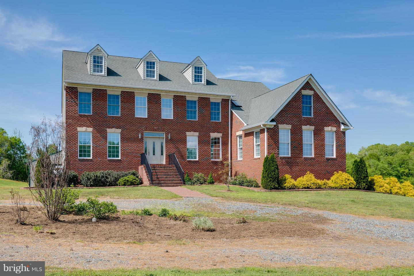 Single Family for Sale at 23185 Sparta Rd Milford, Virginia 22514 United States