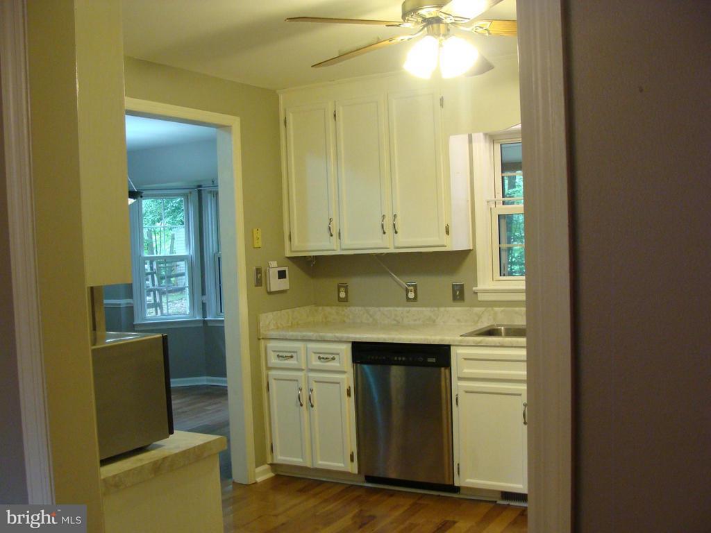 Kitchen - 115 HAMLIN DR, FREDERICKSBURG