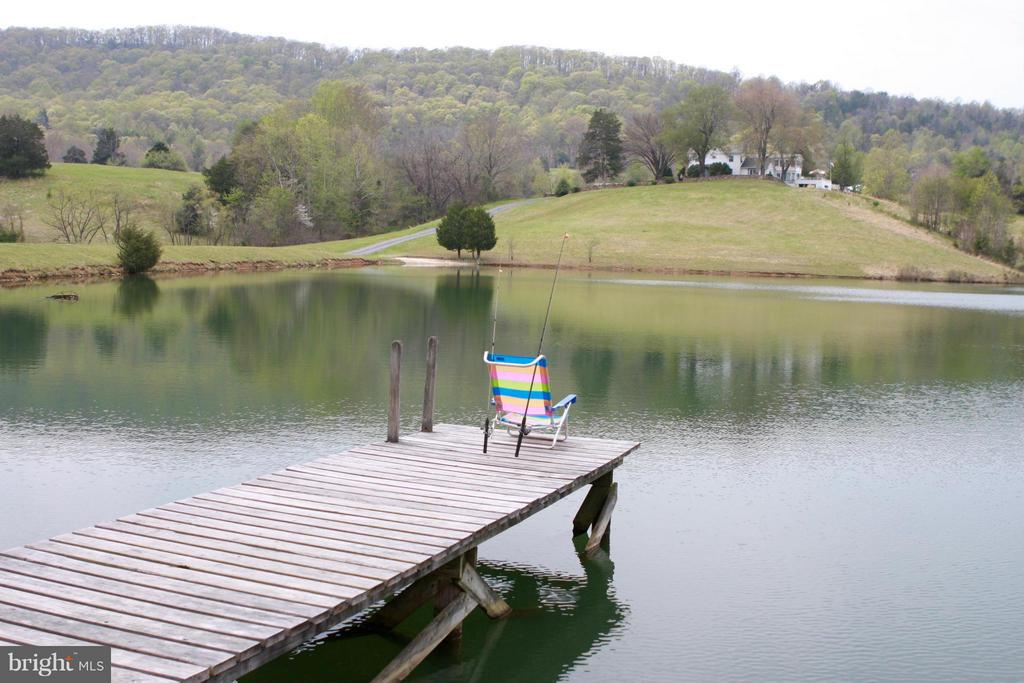 Dock with view of the hills - 399 CASTLETON FORD RD, CASTLETON
