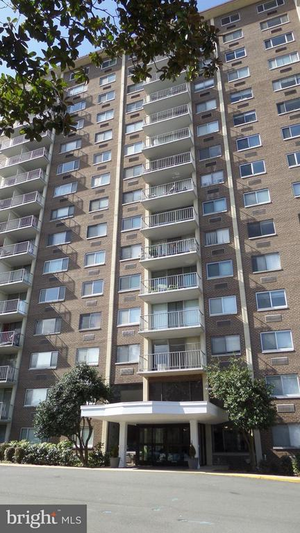 Hunting Creek Club - 2059 HUNTINGTON AVE #211, ALEXANDRIA