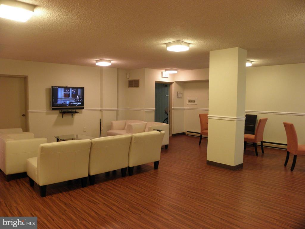 Community party room - 2059 HUNTINGTON AVE #211, ALEXANDRIA